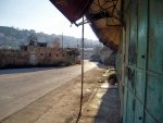 Hebron-under_curfew