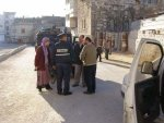 06-12-14 Anat Cohen with border policeman near Ibrahimi Boys School 02