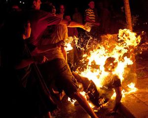 Israeli set fire
